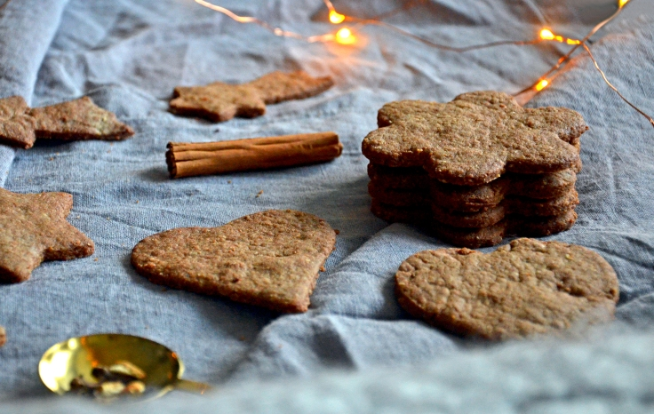 Gluteenittomat ja vegaaniset piparit - Gluten free and vegan gingerbread cookies / Sweets by Sini