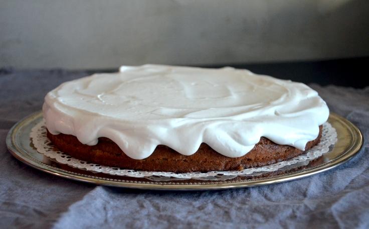 Sokeriton banaanitäytekakku - Sugar-free Layered Banana Cake / Sweets by Sini