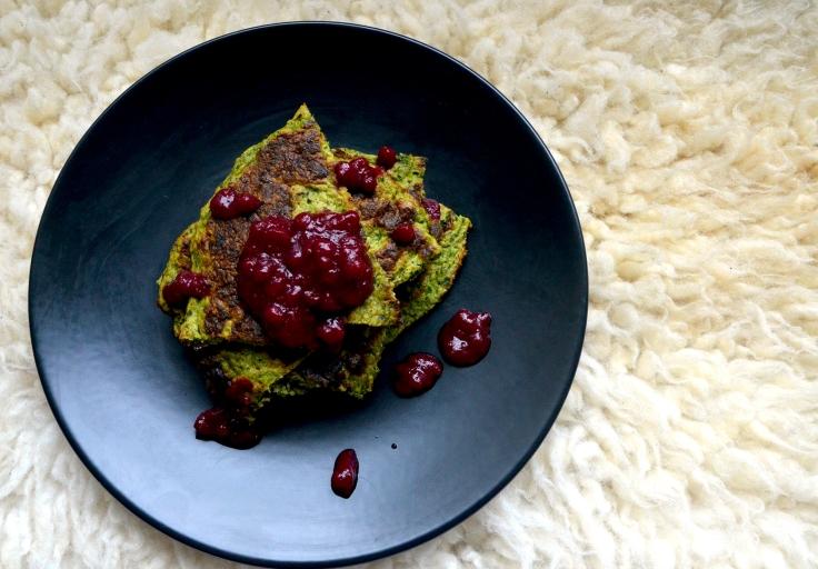 Lehtikaali-pinaattiletut - Kale and Spinach Pancakes / Sweets by Sini