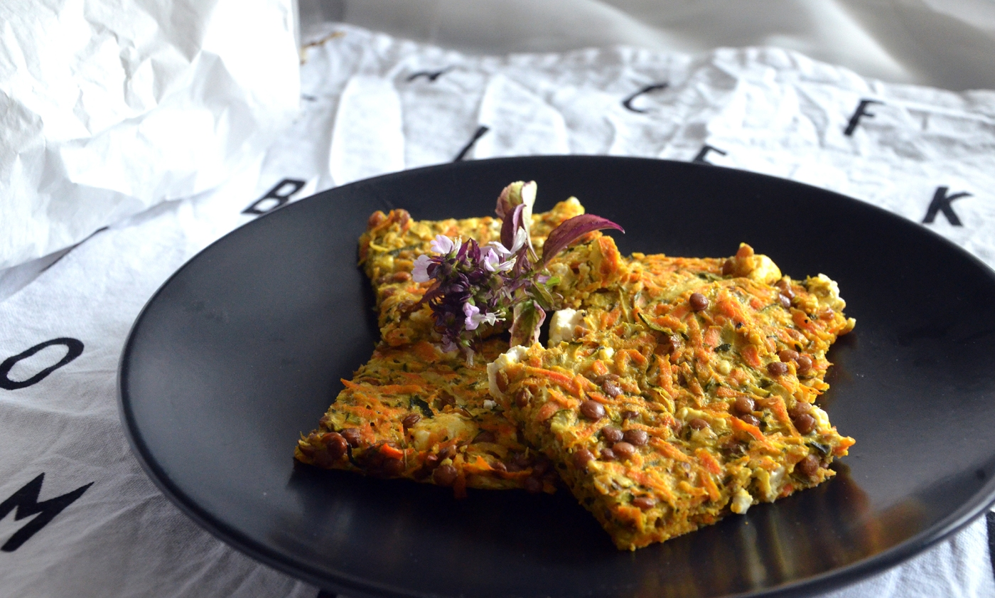 Maukkaat kasvis-fetapihvit uunissa - Tasty Oven-baked Veggie Feta Patties (low FODMAP) / Clean Eats by Sini